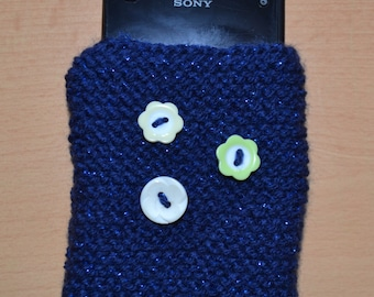 Hand knitted phone/ipod case