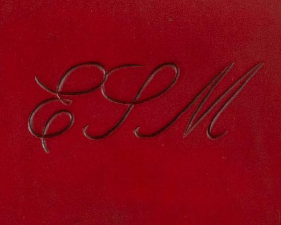 Engraved Script Font for Item Personalization