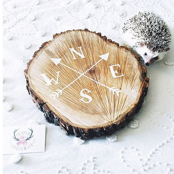 Rustic wedding decor, tree slice sign, hand painted compass design, rustic home decor, gifts for nature lovers and outdoorsmen