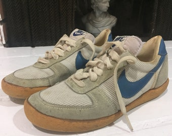 Vintage Retro Sneakers Shoes Nike 43e5c7f285e6