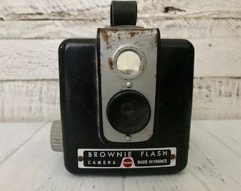 a05762c023bcf Kodak Brownie Flash camera - vintage camera