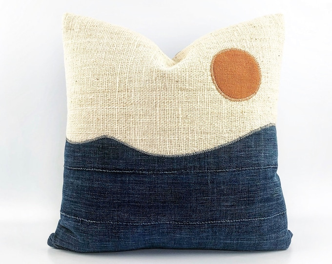 Vintage African Indigo And African Mudcloth Modern Minimal  Landscape Circle Pillow Cover 20x20