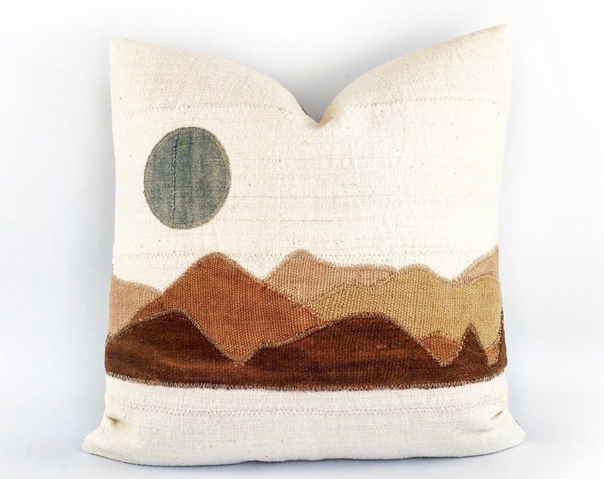African Mudcloth And Indigo Modern Minimal Landscape Circle Pillow Cover 20x20