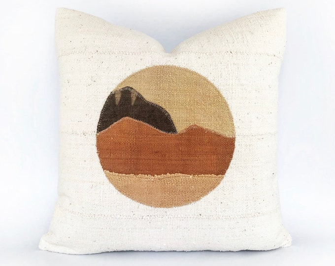 African Mudcloth Minimal Modern Landscape Circle Pillow Cover 20x20