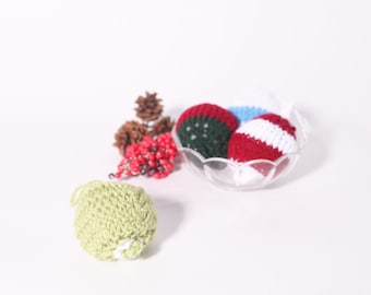 Bauble Ornament, Green and White, Handmade Bubble Ornament, Christmas Tree Decoration, Knit Bauble Ornament, Stocking Stuffer