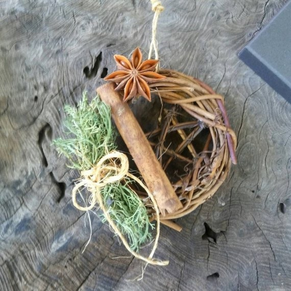 Rustic Yule Décor, Wreath for Christmas