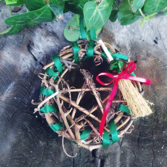 Witch Christmas, Yule Decorations