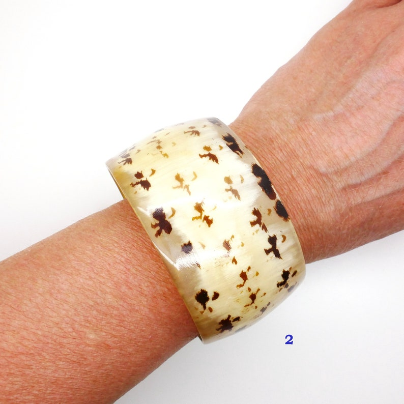 Wide Cuff Bracelet Natural Horn Bangle Bracelet Spotted Beige Color Organic Material 1970s Boho Style Vintage Jewelry