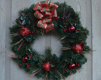 "18"" Red and Gold Christmas Wreath"