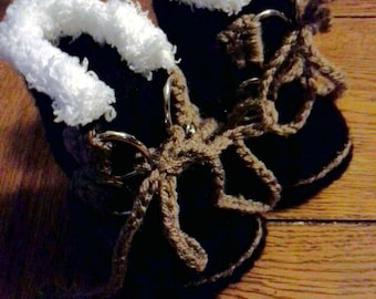 Expedition boots for baby age 0-3 months, hand crocheted