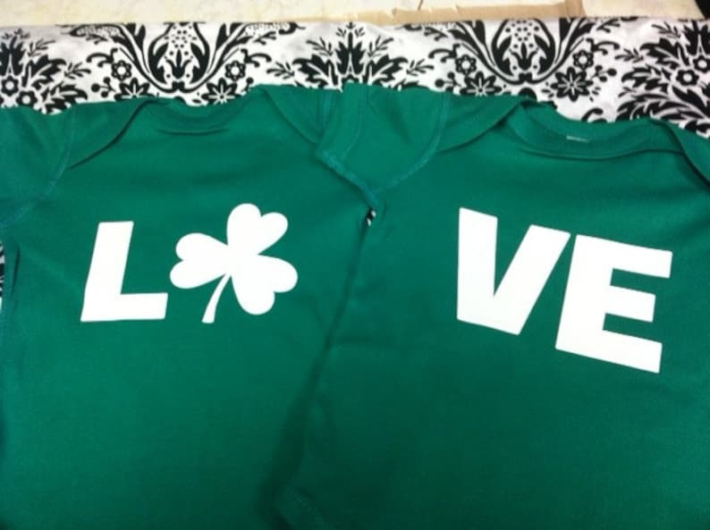 LO VE Love adorable twin bodysuits red great for St patricks day Irish size choice set of 2 new greenlast set size newborn