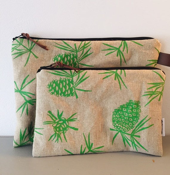 PIN APPLE POUCH