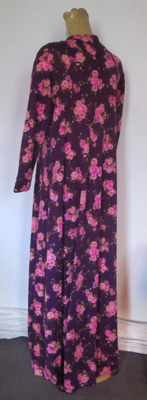 1970/'s ROBE Vintage DRESSING GOWN Purple Pink floral Long sleeve House Brunch Coat Sz 12 1960/'s