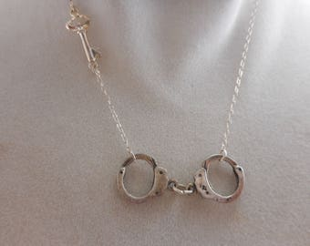 Vintage Handcuff necklace With Key Silver Tone 16 inch