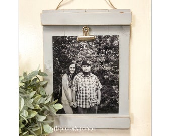 Wood Picture Display - Wood Picture Frame - Picture Holder - Clip Board Picture Holder - Picture Display - Hanging Picture Frame