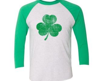Green Shamrock Distressed St Patricks Day Ireland Raglan T-shirt DT2248