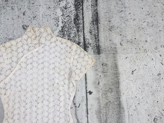 eyelet / mandarin collar / 1960 / Top / Blouse / c