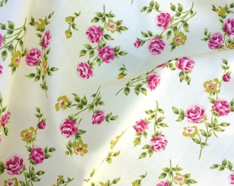 Grey peach coral Rose Vintage Floral Fabric Rose Hubble 100/% Cotton X HALF METRE