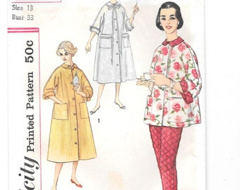 Short or Long Sleeves Vintage Vogue 5760 Sewing Pattern Women/'s Blouse with Puffed Gathered Sleeves Bust 30 in Complete Off Shoulder