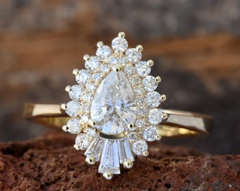1 Carat Diamond engagement ring vintage-14K Yellow Gold-Promise ring-Pear shaped diamond engagement ring-Baguette diamond ring-Art deco ring