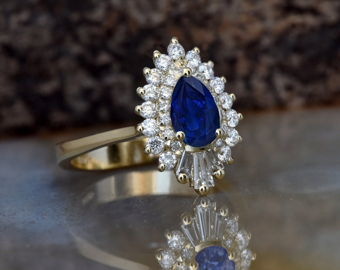 Sapphire engagement ring vintage-14K Yellow Gold-Pear shaped diamond engagement ring-Promise ring-Baguette diamond ring-Art deco ring