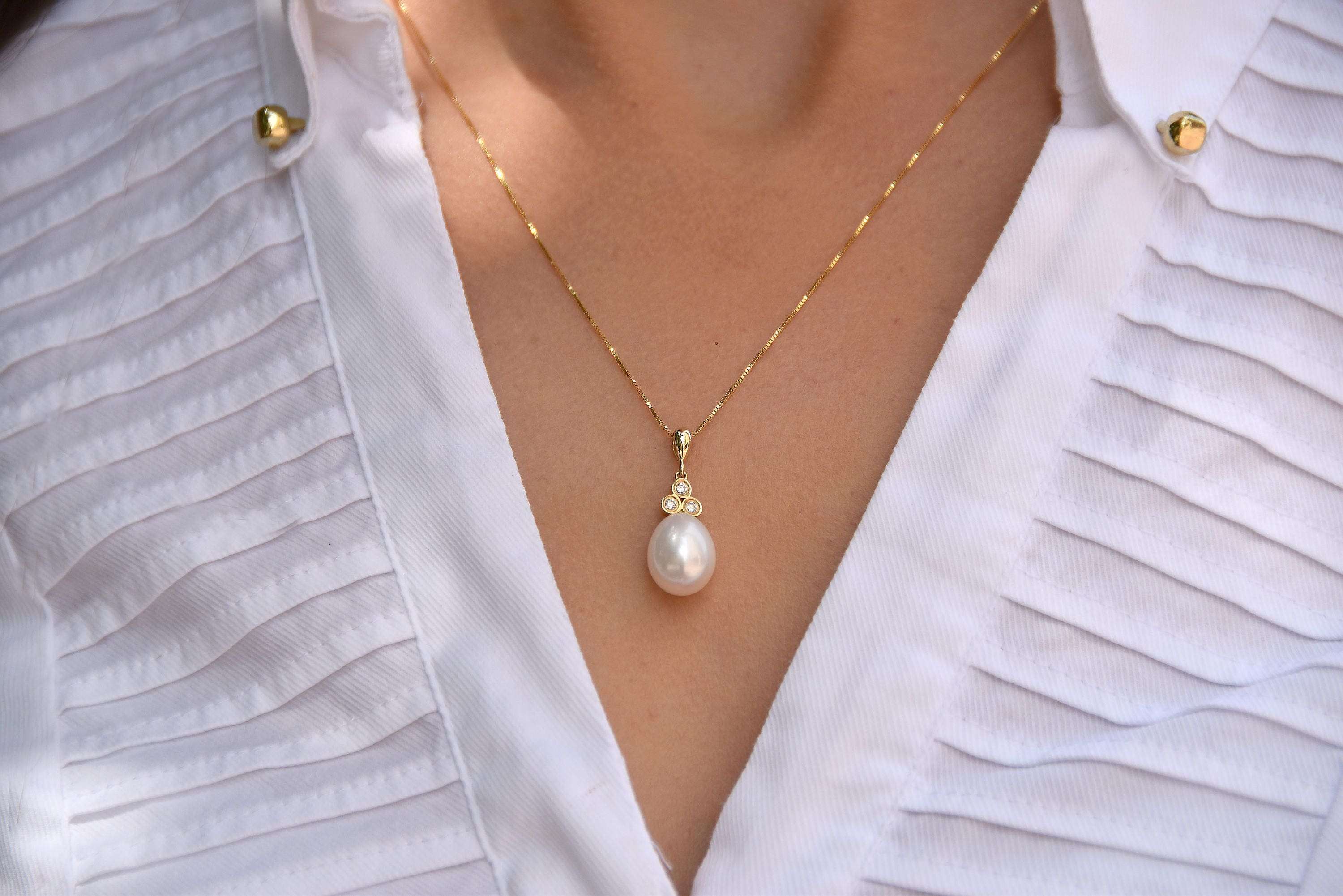 pearl freshwater single classic with necklace yellow chain gold