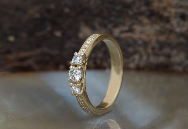 Diamond Ring 0.40ct-Engagement ring-wedding band-promise image 0