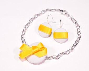 Lemon button adornment