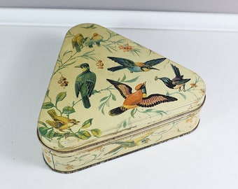 Triangular vintage tin covered with bird illustrations from France  - Vintage tin with birds - Sugar box - Sugar container