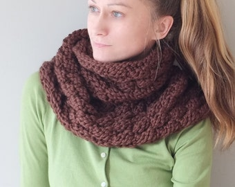 PATTERN Chunky Scarf Cowl  In Brown / Knit Basket Weave Wrap / Pattern PDF - Instant Download / Detailed Instructions In English