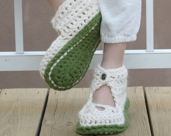 PATTERN Crochet Slippers Women Home Shoes / Pattern PDF (for three sizes) - Instant Download / Detailed Instructions In English