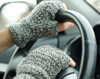 PATTERN Men Fingerless Gloves / Wool Warm Crocheted Gauntlets for Man / Pattern PDF - Instant Download / Detailed Instructions In English