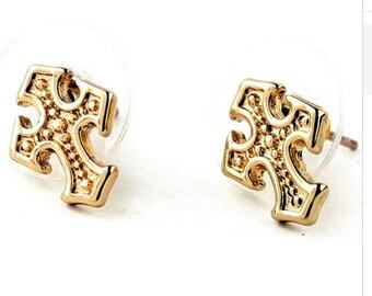 Gold Cross Earrings Studs Small Light Dainty Cast Design Elegant Jewellery for Women Dainty Jewelry for Girls