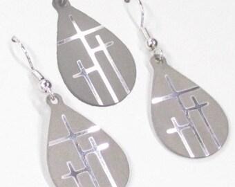 Handmade Earrings and Necklace Set incSilver 3 Crosses of Calvary Tiny Teardrop 3 Cross Set Cross of Christ jewelry jewellery