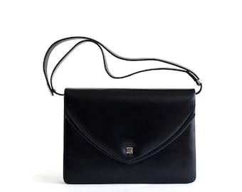 Vintage Pierre Balmain black leather shoulder bag
