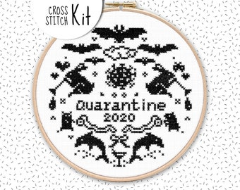 QUARANTINE 2020 cross stitch kit with toilet paper und animals, diy beginner embroidery set, crazy hamster panic buying, DMC cross stitch