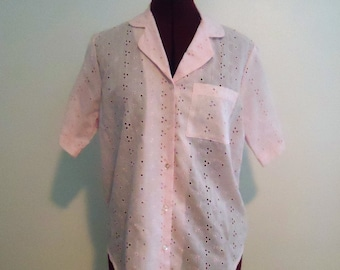 50s 60s Pink Eyelet Button Up Woman Top Short Sleeve Collar Pocket Size L, XL by Lady Blair