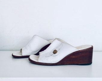 4858791b7463 60s Wedge Mules White Leather Wood Wedge Sandals Size 8 B 38 39 made in  Italy by Pappagallo