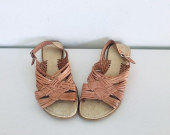 0f3d3ee72e14 80s Huarache Sandals Flats Leather Shoes Size 9 39 40 made in Mexico UNUSED