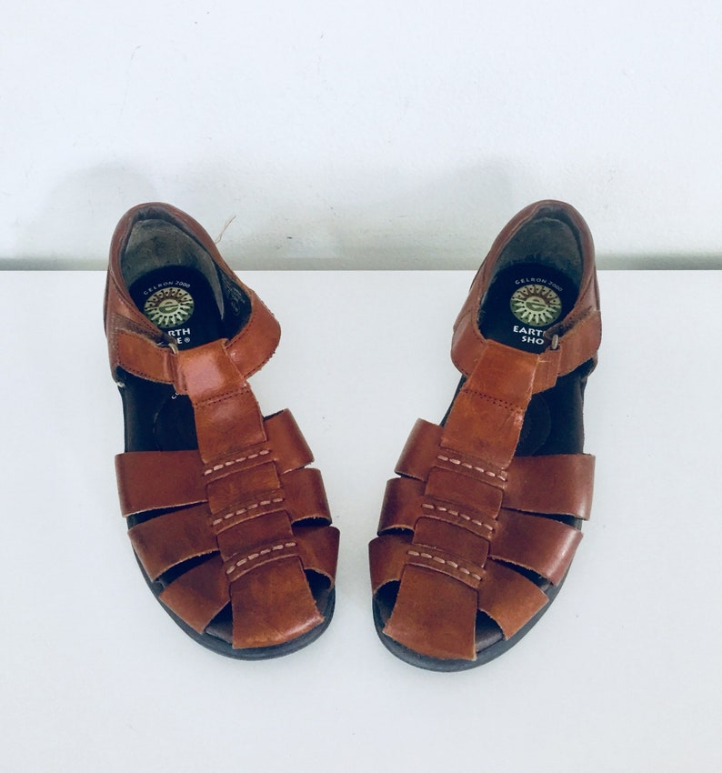 2c8cd7d349600 90s Huarache Sandals Flats Leather Shoes Size 7 37 by Earth Shoes