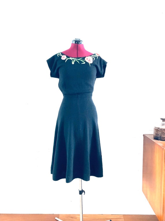30s Black Dress Knit Hand Embroidered Floral size