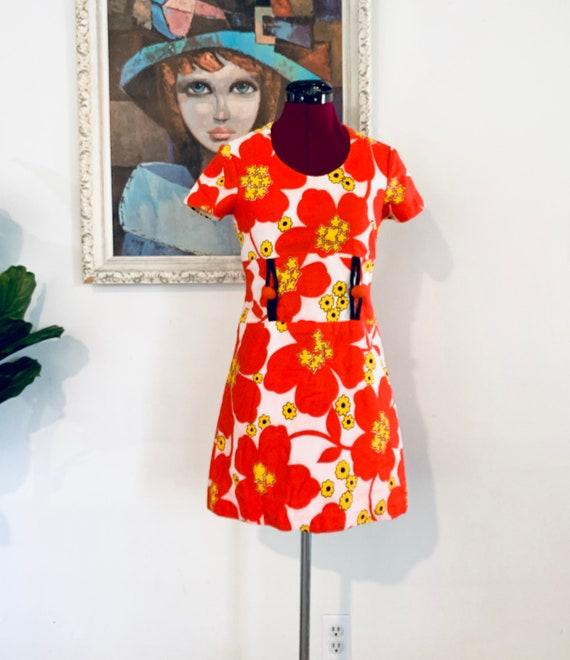 60s Mini Dress Mod Dress Big Print XS