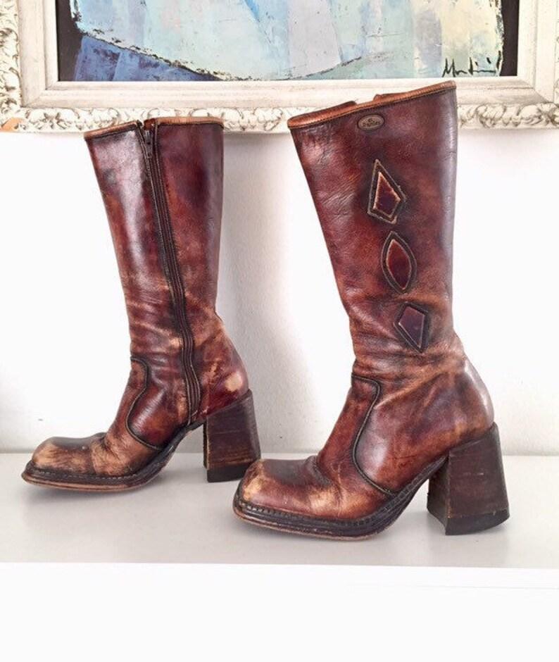 d9c0119a1da95 90s Platform Boots Leather Chunky Heels Size 8 8.5 1 2 38 39