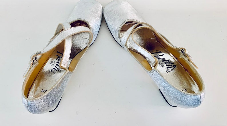 60s Silver Mary Janes Heels Cut Outs Size 8.5 12 M 38.5 39 by Pretties