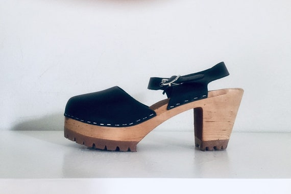 5be1220f826 90s Clogs Leather Round Closed Toe Wooden Heels Ankle Straps