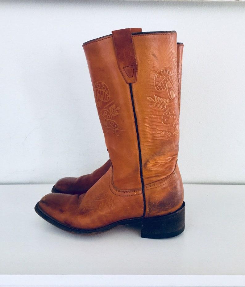 7db4da962320e0 Des années 70 Tooled cuir bottes Western bottes Santiags | Etsy