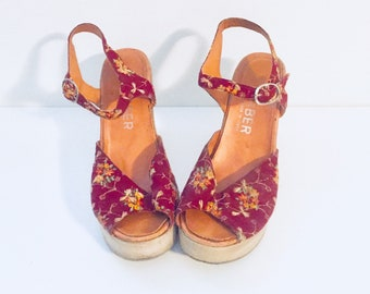 70s Embroidered Platform Sandals Ankle Straps Vintage 70's Shoes Size 6.5 1/2 7 36 37 Made in Italy by Carber