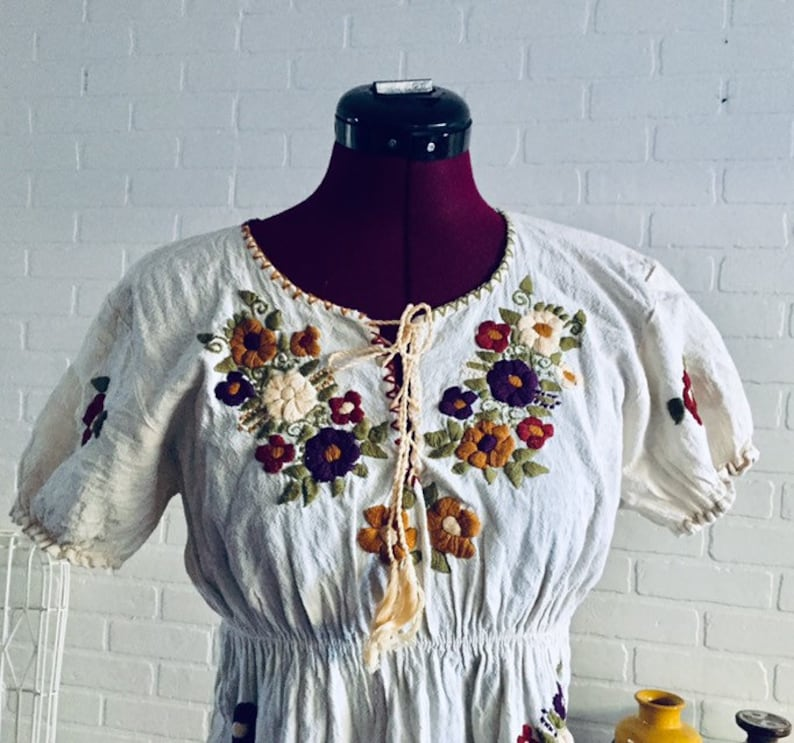 60s Gauze Embroidered Top Blouse Cream Short Sleeves XS S Boho