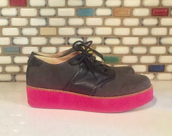Black Leather Creepers Platforms Wing Tips Two Tone Black Pink Soles by Size 8 by Faryl Robin