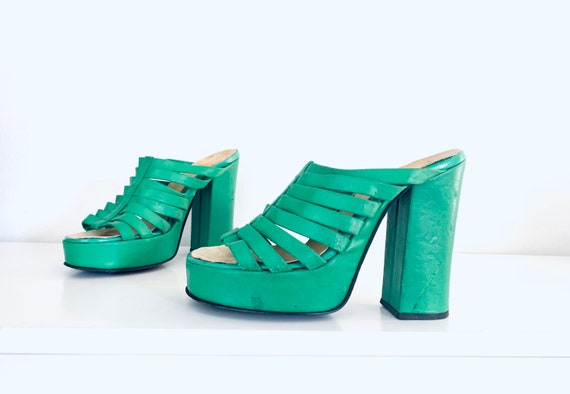 70s Platforms Shoes Green size 6 M 36